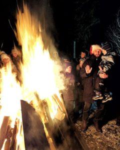ФОТО.    Все волшебство начинается с огня.