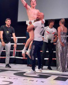 ВИДЕО.    Победа Кюрджидиса Никоса на MUAY THAI GRAND PRIX В Титульном бою по профессионалам Муай Тай 23 февраля 2020 г.